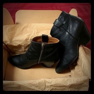Frye Reina Boots, Black Leather